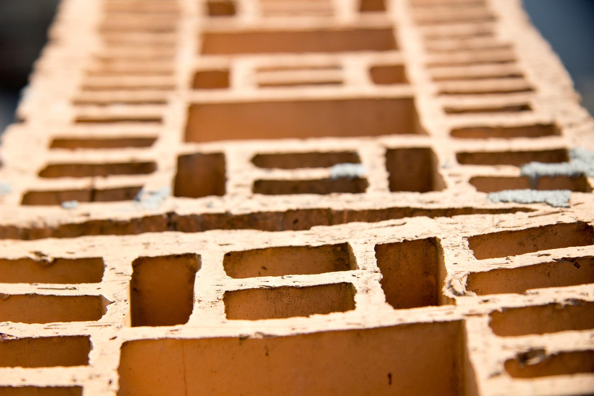 brick-1813621_1920