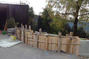 Gartenmauer rund geschalt